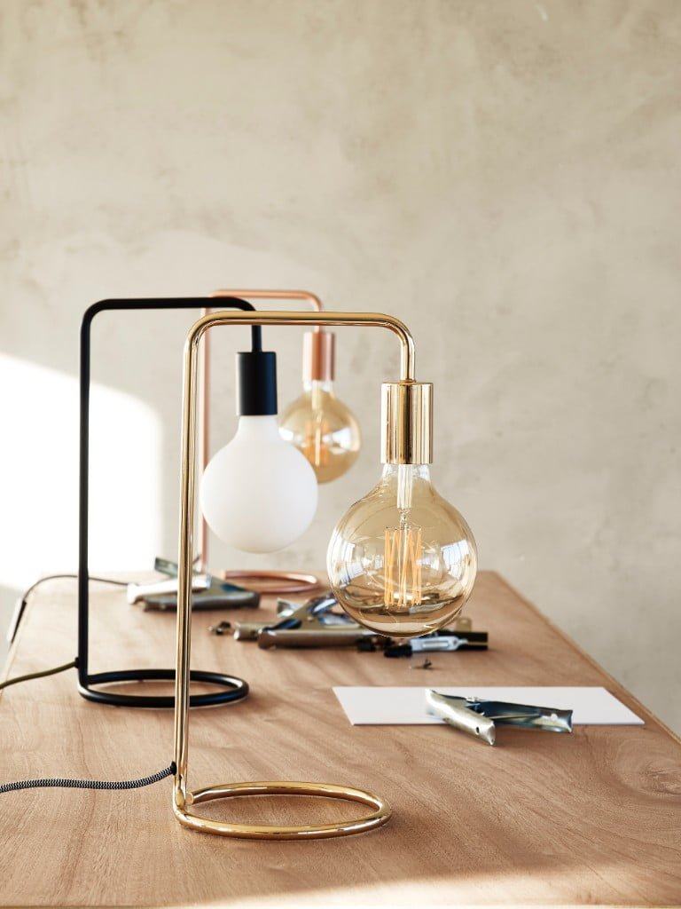 Ceilo Black Table Lamp
