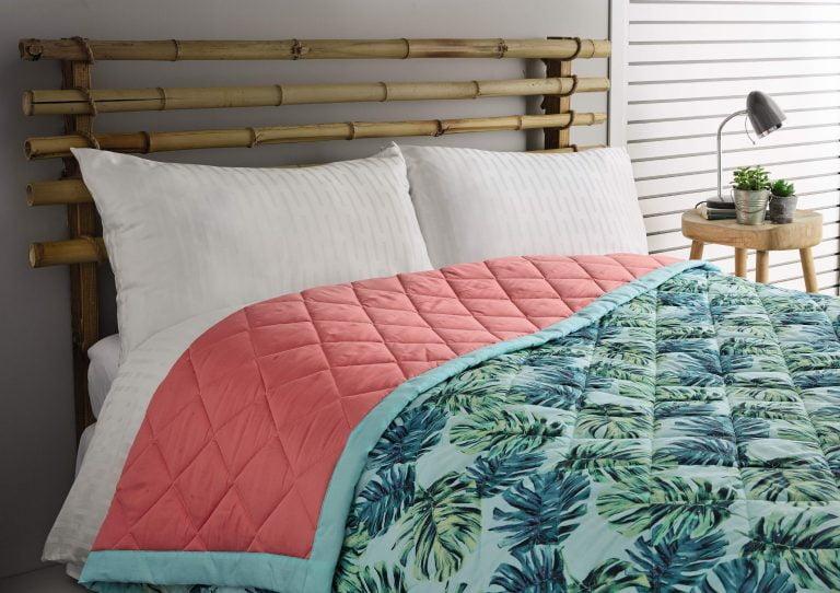 Aldi Summer tropics bed spread light green palm leaves