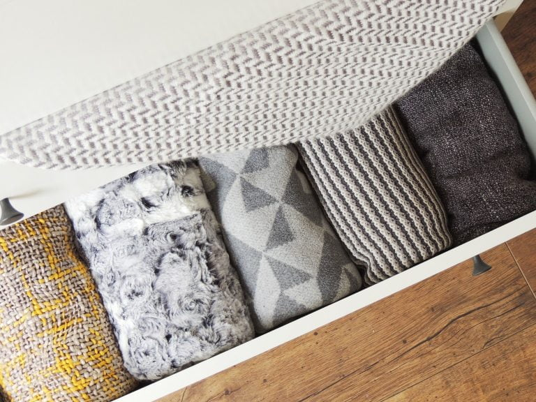 Soft modern blankets for autumn