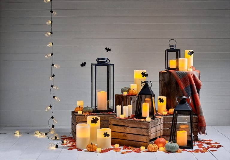 Halloween Candles Lanterns & Festoons With Bats