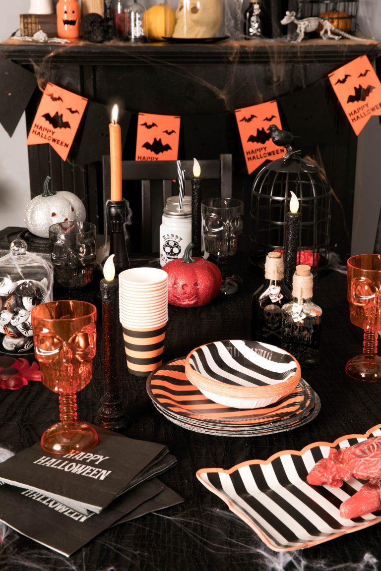 Poundland Halloween 2018 partyware